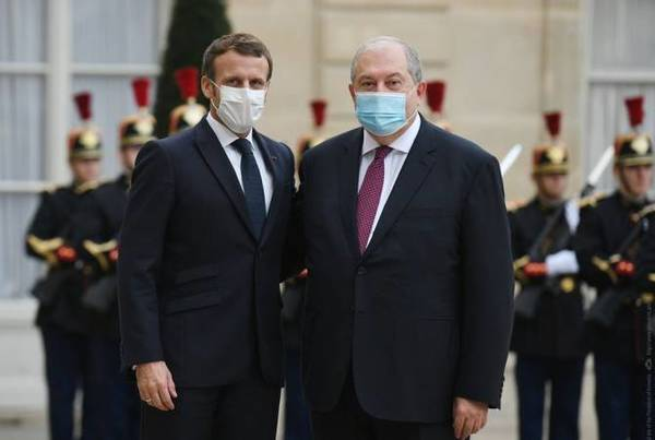 """Armenian President offers condolences to Macron over """"barbaric"""" attack in Nice"""